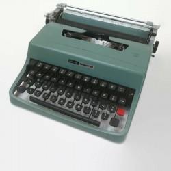 maszyna Olivetti Lettera 32